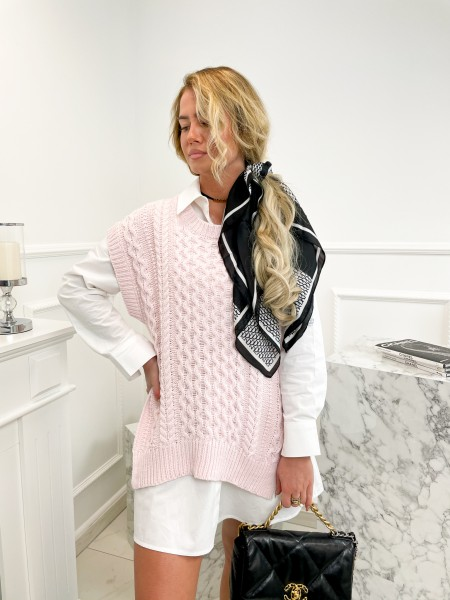 PULL & CHEMISE MUST HAVE...