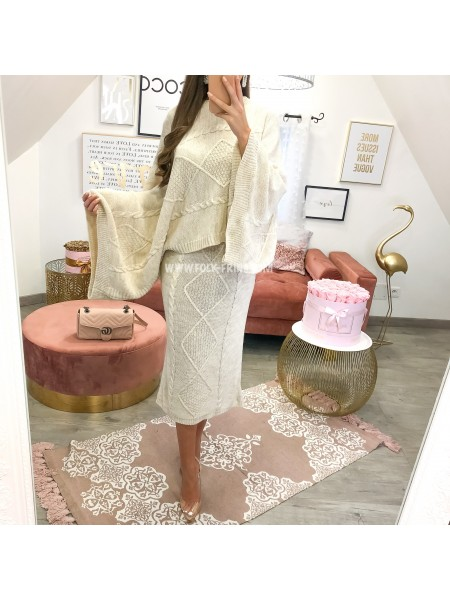 **** ENSEMBLE MAILLE TORSADE JUPE & PULL NUDE ***