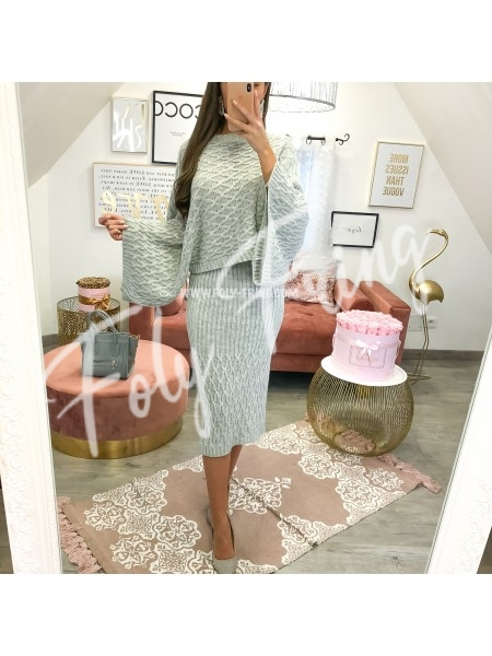 **** ENSEMBLE MAILLE JUPE & PULL GREY ***
