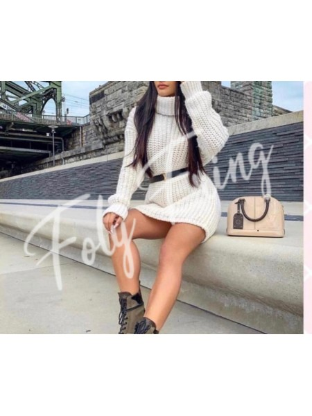*** ROBE PULL COL ROULE NUDE ***