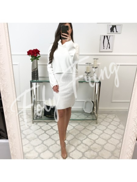 ***ENSEMBLE ROBE & CAPE WHITE  ***