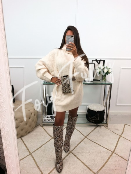 *** ROBE PULL COL ROULE...