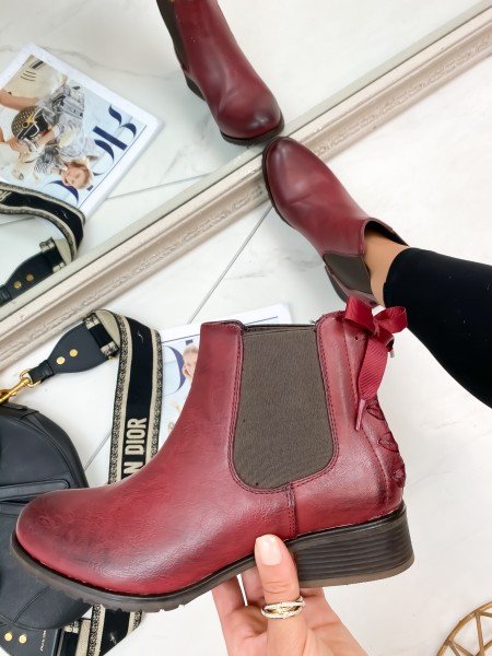 BOOTS A NOUER WINE